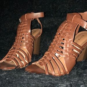 bamboo brown heels // size 7